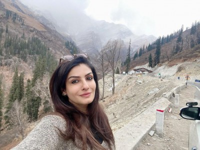 Raveena Tandon enjoys 'thandi ka mausam'