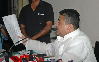 Suvendu Adhikari holds rally under apolitical banner, Trinamool claims he is in'