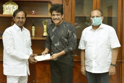 Telugu actor-politician Chiranjeevi tests corona positive