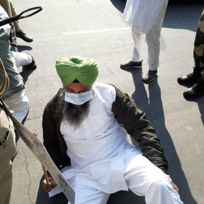 True Punjabi spirit amidst 'Delhi Chalo' march