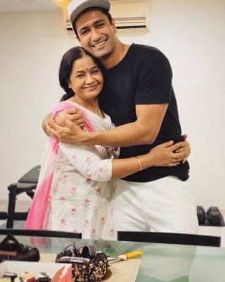 Vicky Kaushal's short and sweet message for mom on her birthday