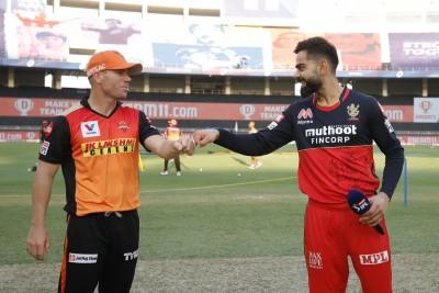 Warner scored runs in boundaries, Kohli in singles