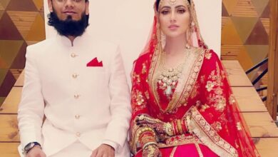 Photo of Sana Khan shares first picture from her 'nikah' with Mufti Anas