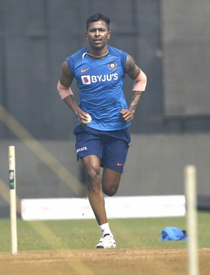 10-15 runs Natarajan saved helped us win: Pandya