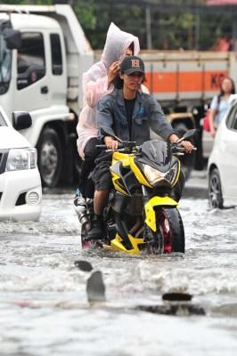 13 killed in Thailand flash floods