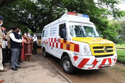 K'taka: '108 ambulance service failed to reach 50% patients within time'