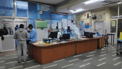 AIIMS nurses strike: Docs return half of patients from emergency wards
