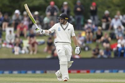1st Test: NZ need 7 wkts, Pakistan 302 runs to win