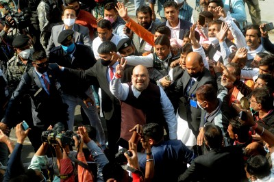 30-vehicles convoy sets out for Shah's mega rally in Bengal