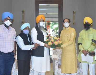 Akalis' delegation meets CM Thackeray, bats for farmers, federalism