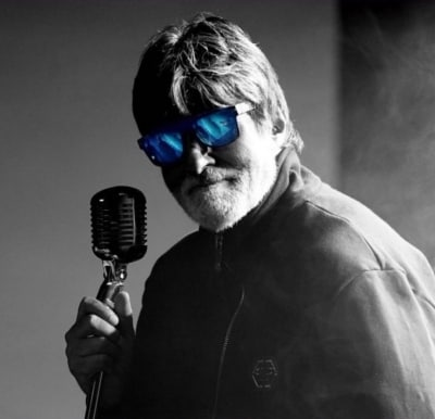 Amitabh Bachchan shares failed attempt at getting rockstar look