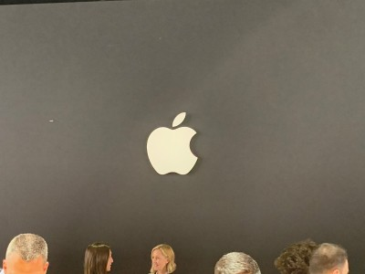 Apple hits back at Facebook, says stands up for its users