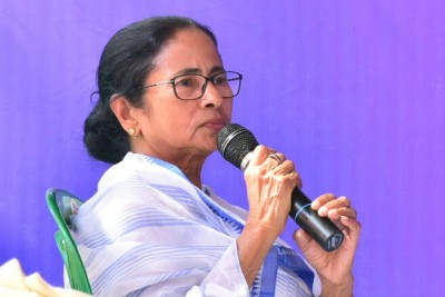 BJP calls their workers for doing 'nautanki': Mamata