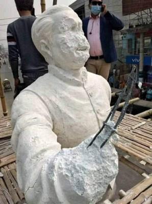 Bangabandhu's sculpture vandalised in Bangladesh