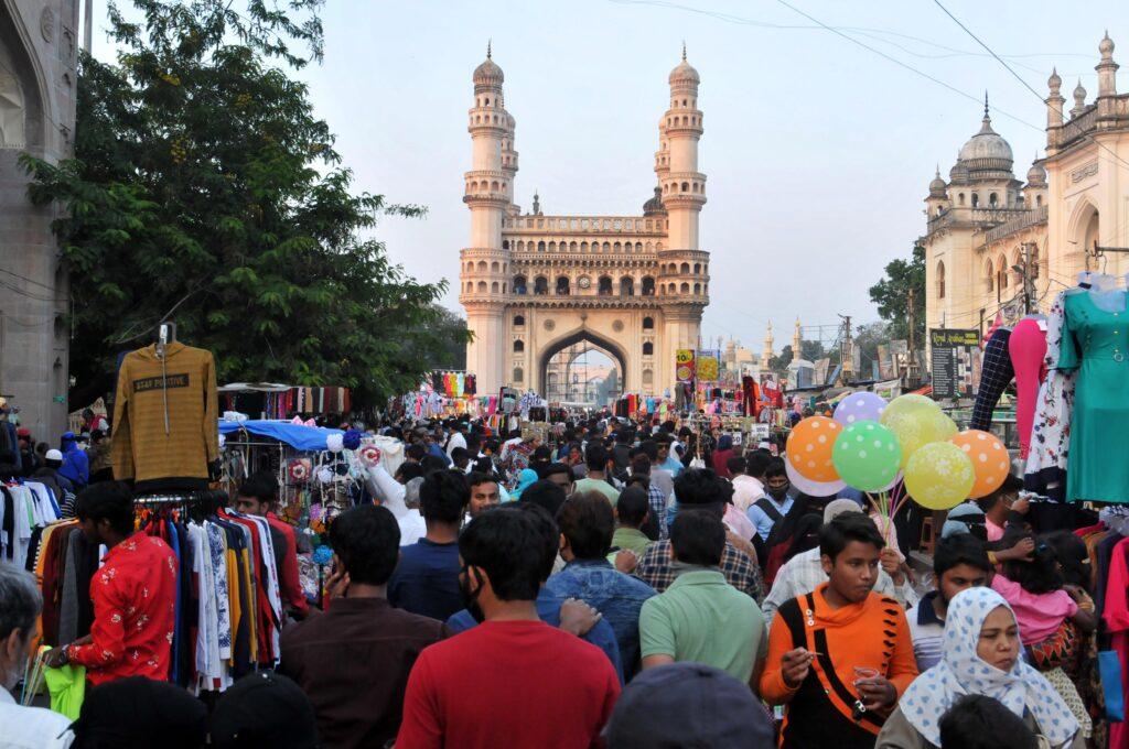 Hyderabad, Charminar, COVID-19, Social Distancing,