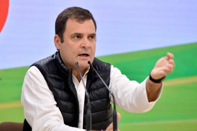 Cong steps up pressure on govt over farmers' stir, Rahul takes stock