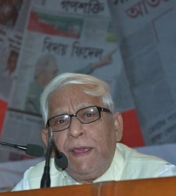 Ex-Bengal CM Buddhadeb Bhattacharjee remains 'critical'