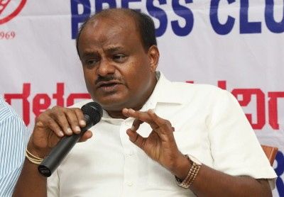 Ex-K'taka CM urges farmers to try new farm laws for year
