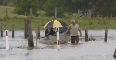 Flood warnings issued for E. Australian coastline