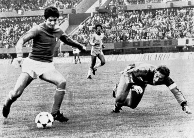 Football great Rossi's tale of redemption ends (Obituary)