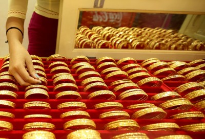 Gold imports decline 40% in Apr-Nov to $12.3 bn