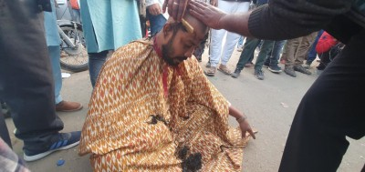 Govt is dead, says Odisha farmer, shaves his head