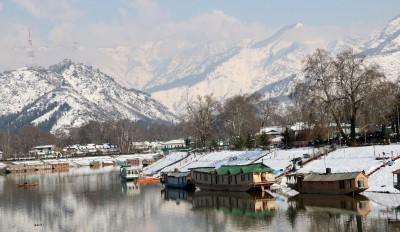 Gulmarg hotels booked to brim as tourists return to Kashmir