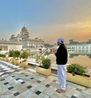 Guru Randhawa 'regrets' violating Covid-19 prevention norms