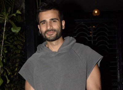 Karan Tacker: Want 2021 to be a normal year when my parents can step out