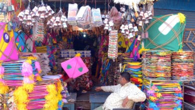 Hit by impact of COVID-19, kite makers in city seek respite during Sankranti