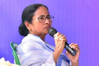 Mamata demands withdrawal of 'anti-people' farm laws, attacks BJP