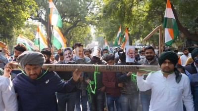 NSUI holds 'Tiranga Yatra' in Delhi in solidarity with farmers over 3 farm laws