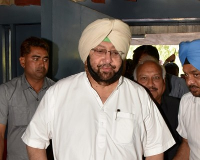 Punjab CM slams Centre for tax raids on 'arhtiyas'