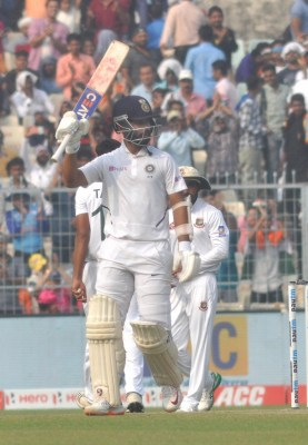 Rahane buckles down to play captain's knock, young Gill impressed