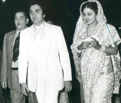 Raj Kapoor's birth anniversary: Kareena, Karisma, Dharmendra share nostalgic posts