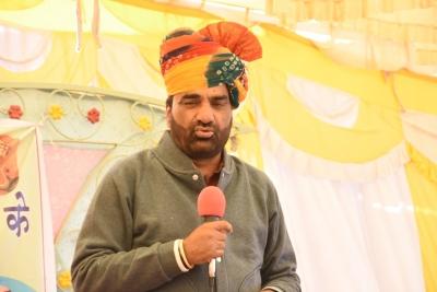 Rajasthan farmers group, led by NDA ally RLP convenor Beniwal, stopped at Haryana border