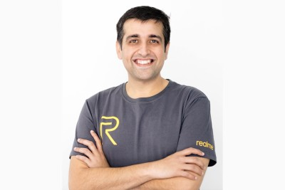 Realme issues warning to users against franchise scam
