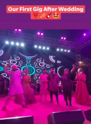 Sachet-Parampara send out love vibes in first concert after marriage