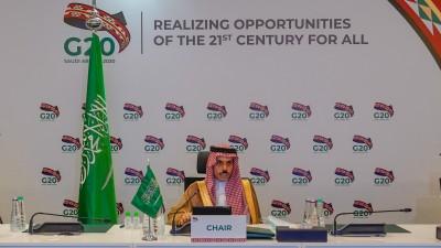 Saudi FM hails efforts of Kuwait, US in solving Gulf crisis