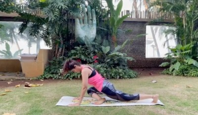 Shilpa Shetty shows how to start day on energetic note