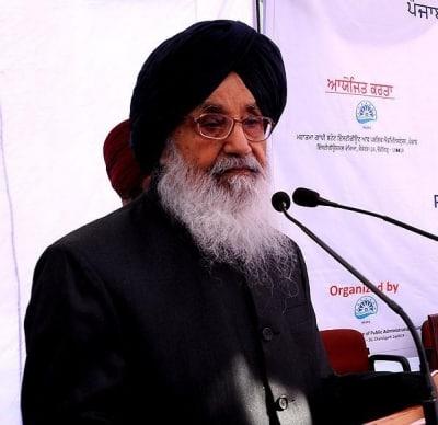 Show magnanimity on farm laws, Badal tells Modi