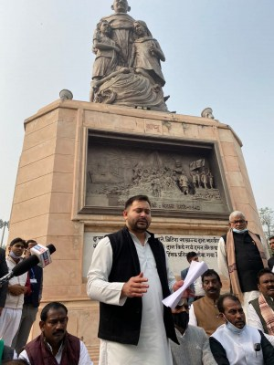 Tejashwi Yadav booked for demonstration in Gandhi Maidan