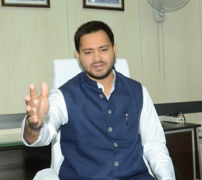 Tejashwi slams Centre for not inviting RJD to all- party meeting
