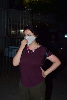 Tisca Chopra's jibe at people wearing mask on the chin