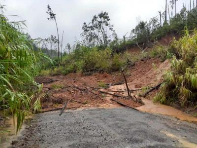 Tropical cyclone destroys over 1,500 homes in Fiji