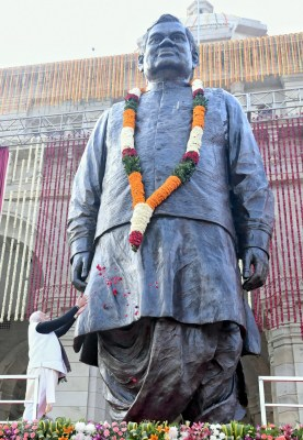 Vajpayee statue to be unveiled on Dec 25 in Bhopal