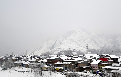 Want to enjoy snow amid Yuletide spirit in Himachal? Extend holidays