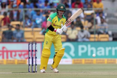 Warner close to getting fit for the third Test, says Paine