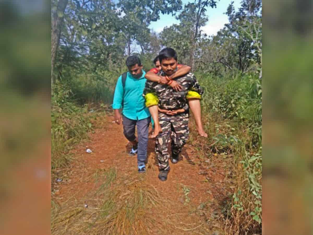 Constable rescues two persons who fainted during foot march to Tirumala temple
