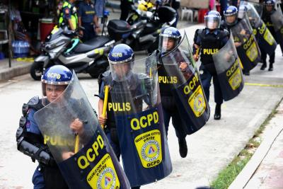 13 killed in Philippines shootout